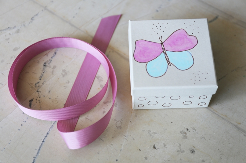 butterfly favours' box